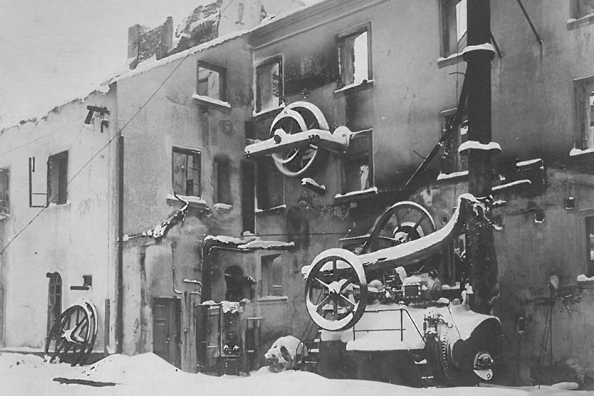Požár továrny v roce 1923